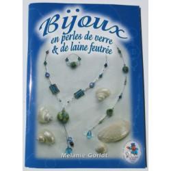 Livre Bijoux en perles de verre et laine feutrée